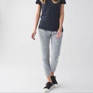 Lululemon Jet Crop *Luon (Slim) Pants